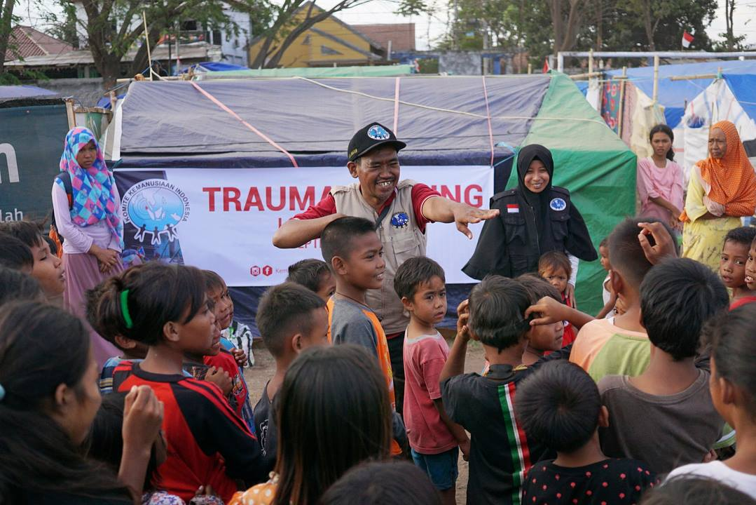 komite kemanusiaan indonesia trauma healing