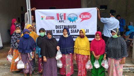 Komite Kemanusiaan Indonesia (KKI) Gandeng PT. Fast Food Indonesia Berbagi Paket Makanan